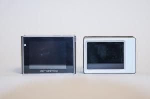 Die Displays von Actionpro X7 und GoPro Hero3 Black Edition